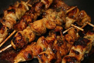 Brochettes de poulet marin la menthe recettes a for Marinade poulet huile d olive