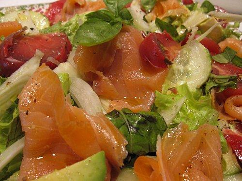 bouquet de salade au saumon recettes a cuisiner le meilleur de la cuisine la port e de tous. Black Bedroom Furniture Sets. Home Design Ideas