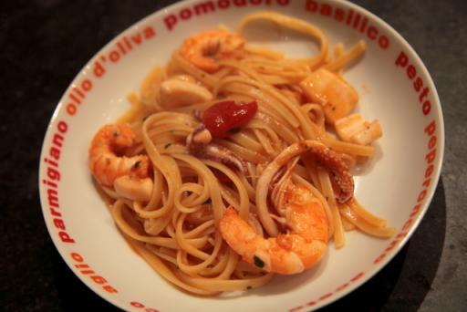 P tes aux scampis et calamars sauce curry recettes a cuisiner le meilleur de la cuisine - Comment cuisiner les calamars ...